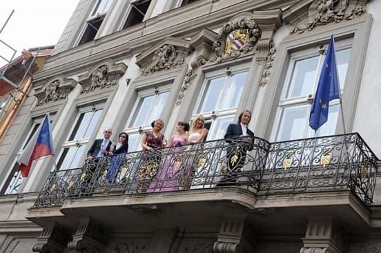 Церемония в центре Праги во Дворце Алипранди3