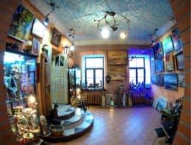 Интерьер галереи Стена в Витебске (Турфирма You Travel, Витебск)